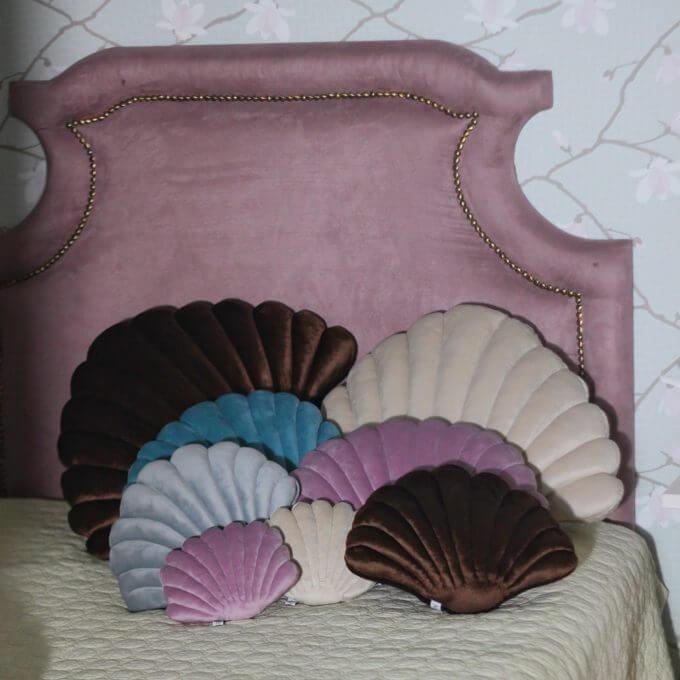 Фото 4 - Бархатные подушки Shell сливочный -15%.