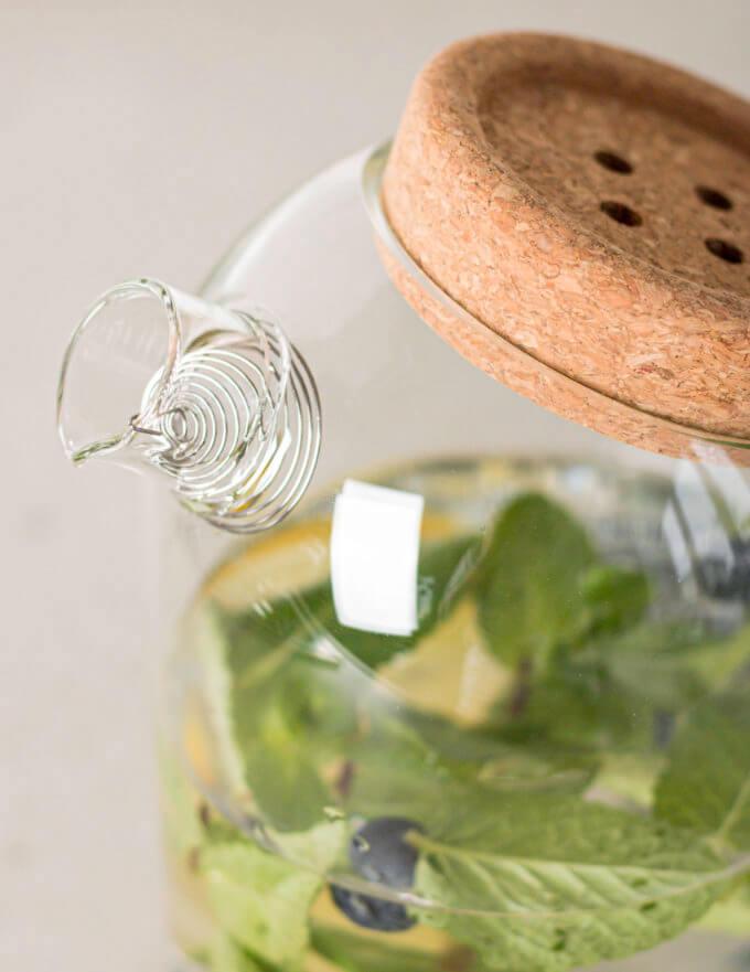 Фото 2 - Чайник-кувшин с пробковой крышкой button.