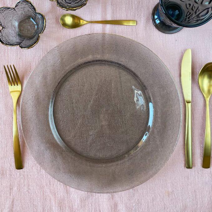 Фото 1 - Серое блюдо с золотым краем Smoky.