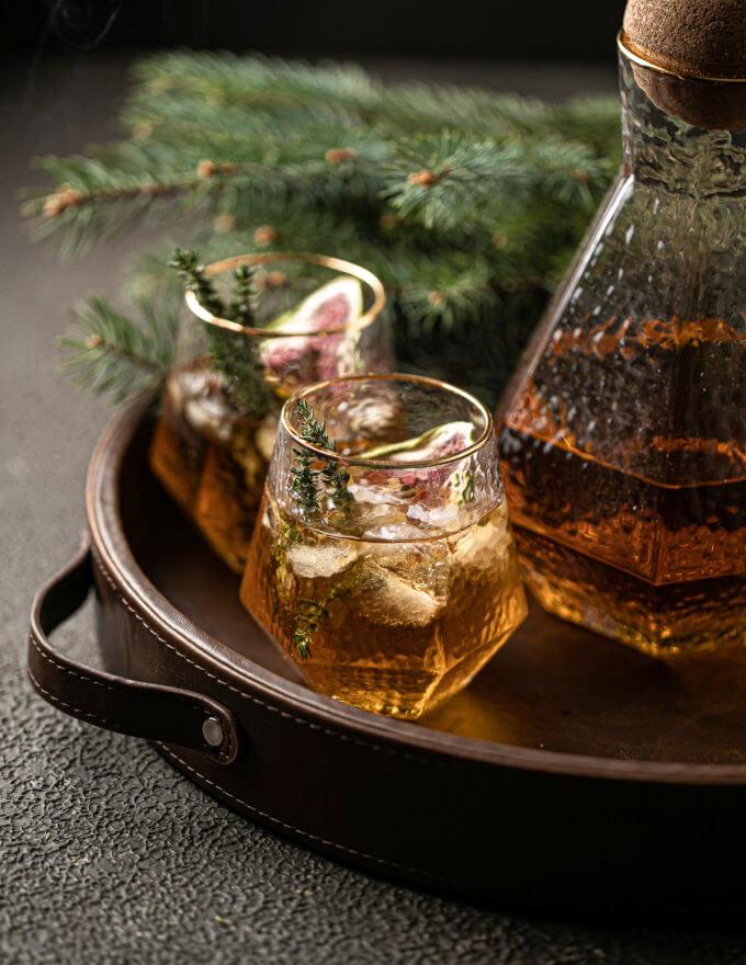 Фото 2 - Штоф и бокалы Scotch.