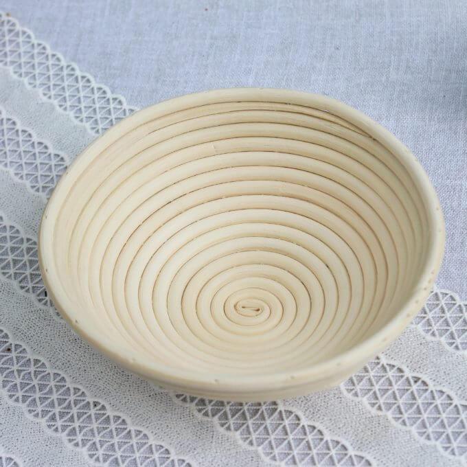 Фото 2 - Хлебница из ротанга -50%.
