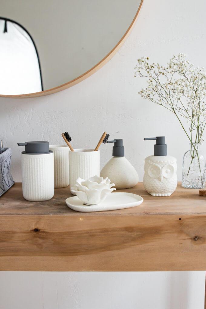 Фото 1 - Серия предметов для ванной Creme.