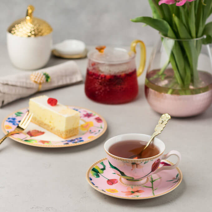 Фото 2 - Розовая тарелка из костяного фарфора.