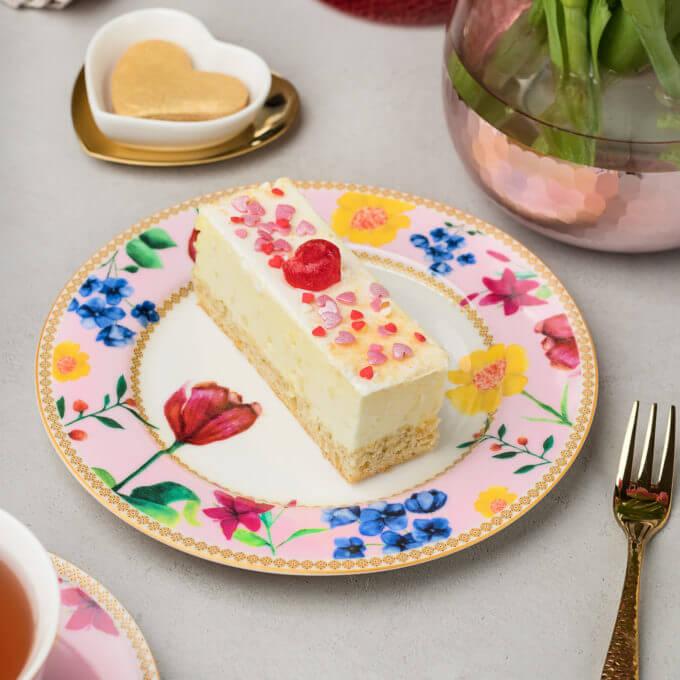 Фото 1 - Розовая тарелка из костяного фарфора.