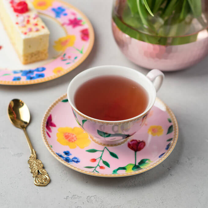 Фото 2 - Розовая чайная пара из костяного фарфора.