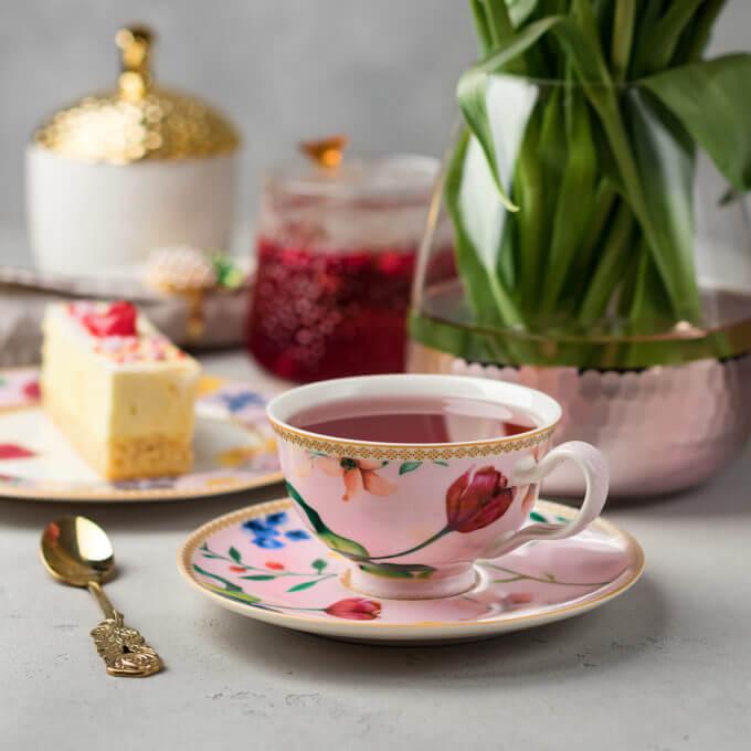 Фото 1 - Розовая чайная пара из костяного фарфора.