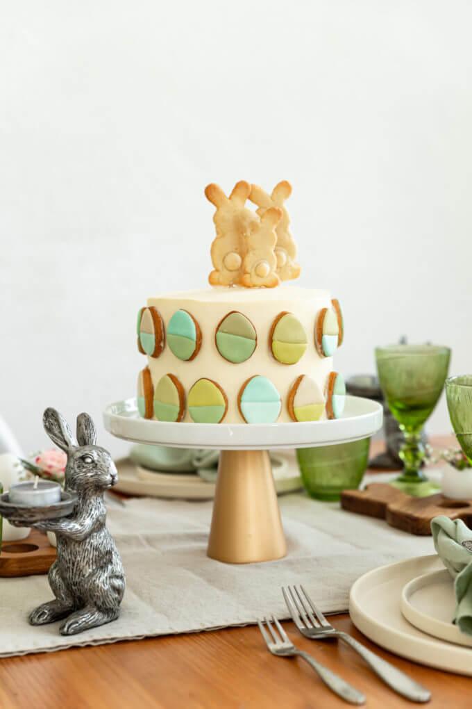 Фото 1 - Подставка для торта или кулича на золотой ножке -15%.