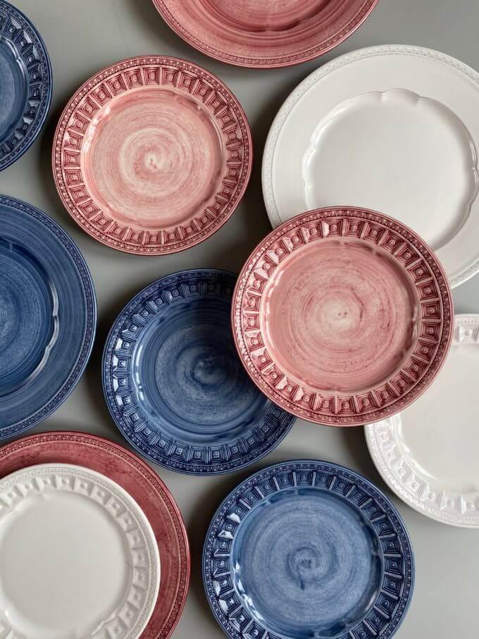 Фото 2 - Плоские розовые тарелки Augusta.