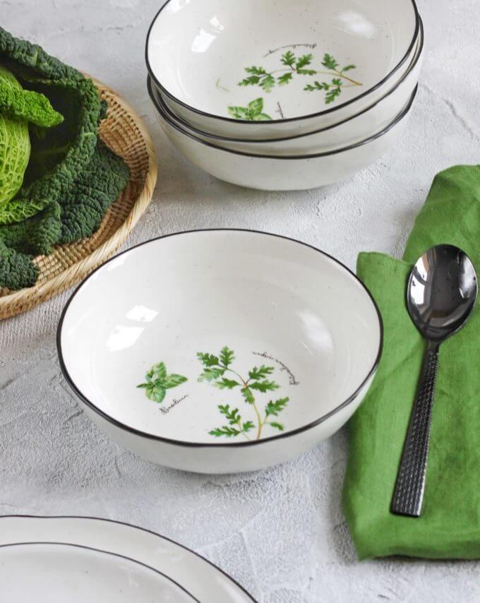 Фото 1 - Глубокая тарелка с травами.