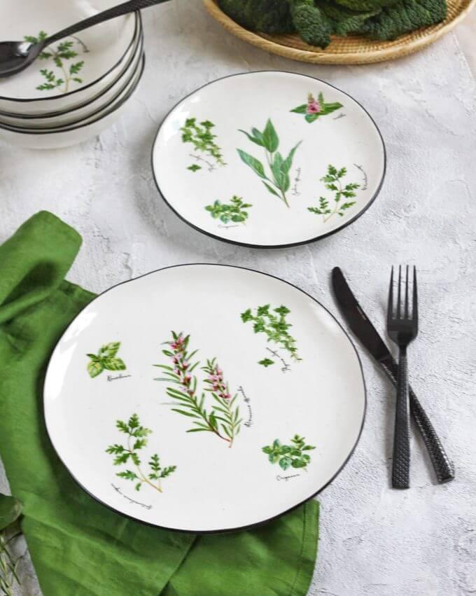 Фото 1 - Плоские тарелки с травами.