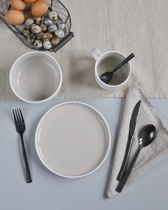 Фото 2 - Набор посуды в сером оттенке.