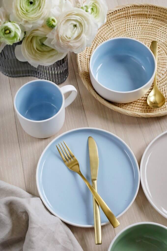 Фото 1 - Набор посуды в голубом оттенке.