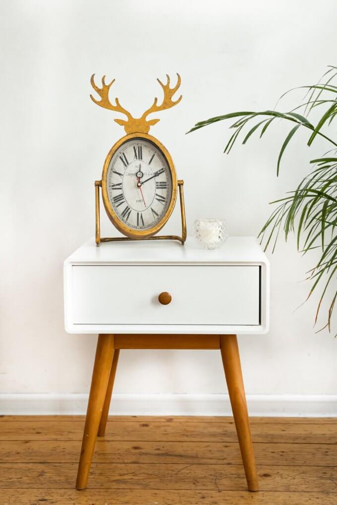 Фото 1 - Настольные часы Horned Clock.