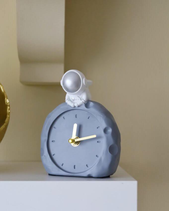 Фото 1 - Часы Cosmonaut.
