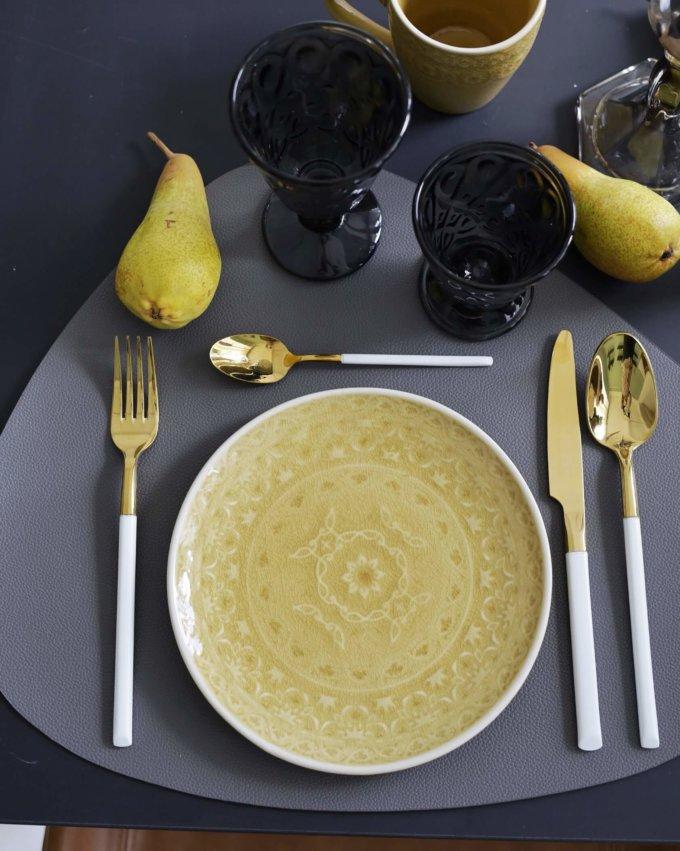Фото 1 - Желтая плоская тарелка Amby.