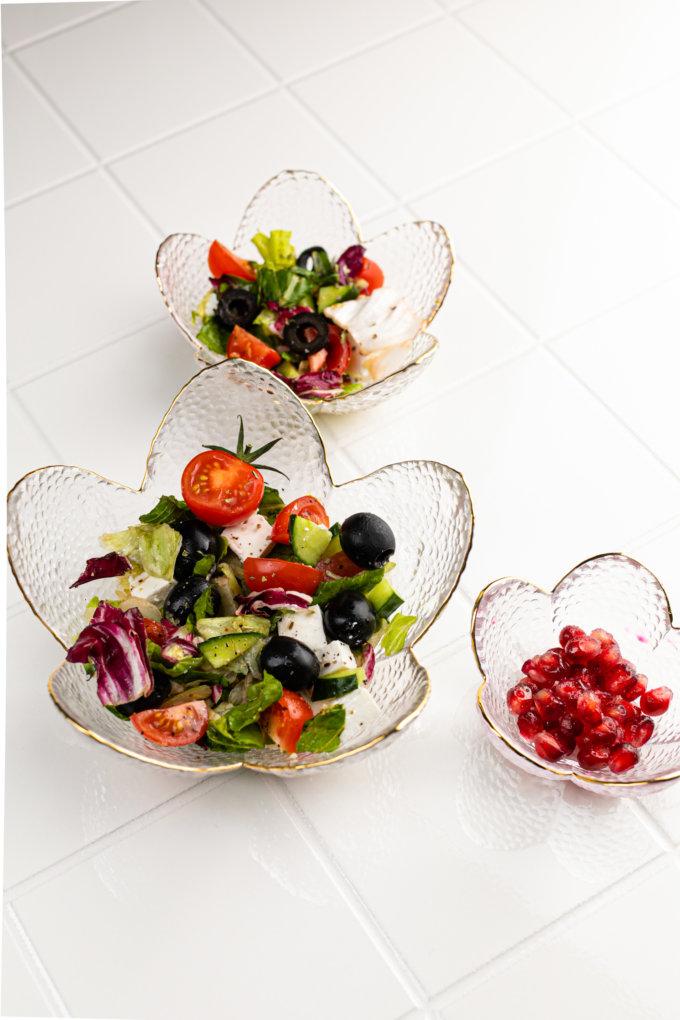 Фото 2 - Вазы-салатники в форме цветка из прозрачного стекла.