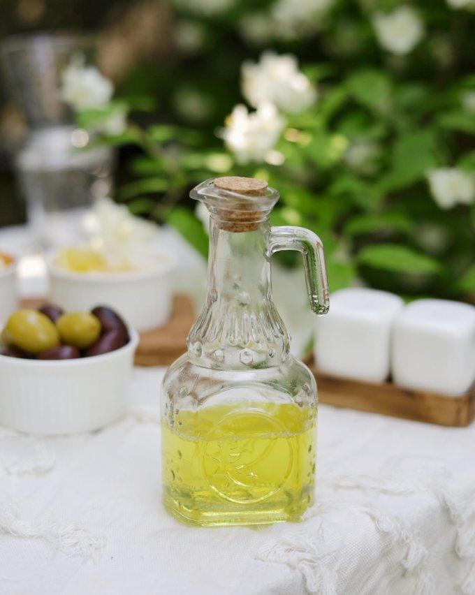 Фото 1 - Стеклянная бутылочка для масла.