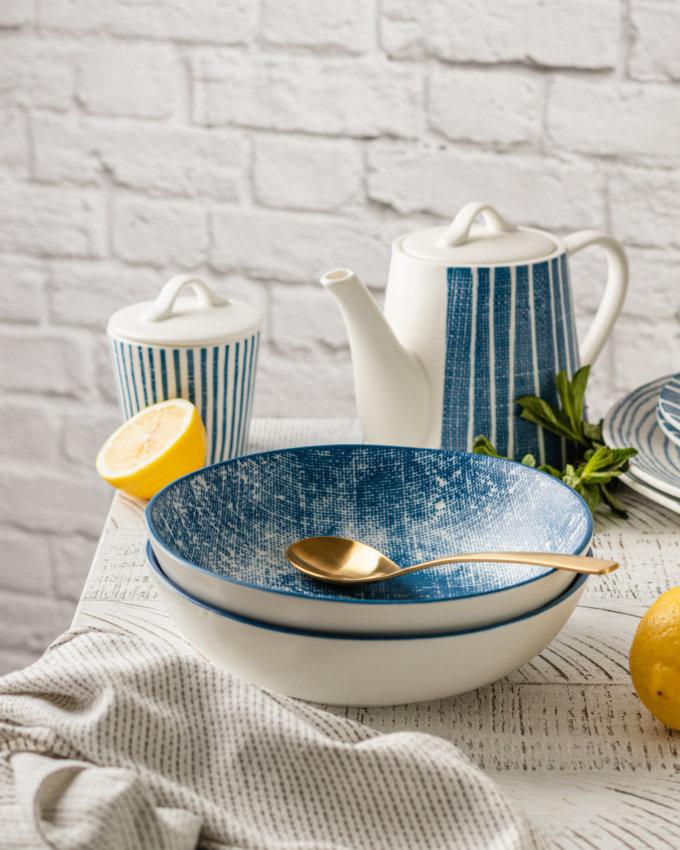 Фото 2 - Глубокая тарелка в сине-белую полоску.