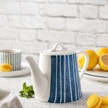 Фото 6 - Чайник синий в белую полоску.