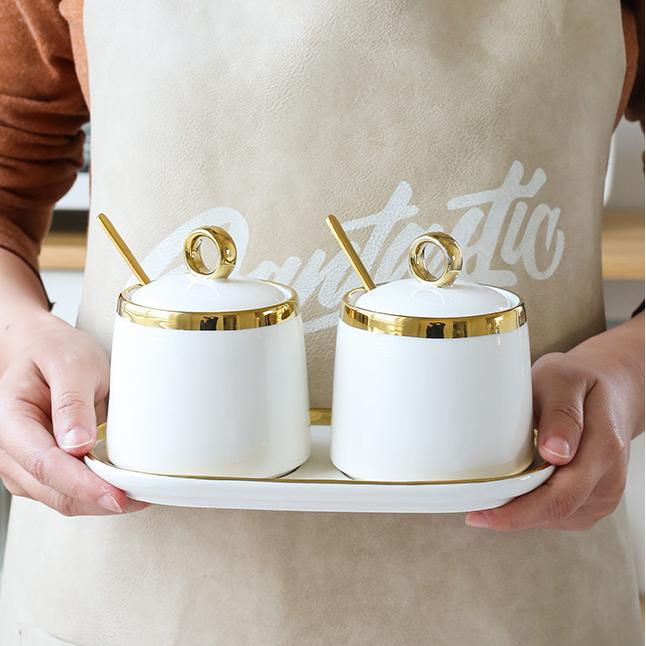 Фото 1 - Набор из 2 керамических баночек для специй с ложечками.