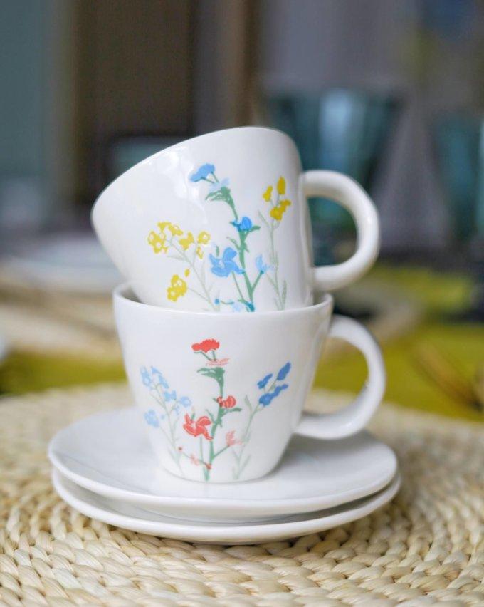 Фото 2 - Кофейная пара с летними цветами.