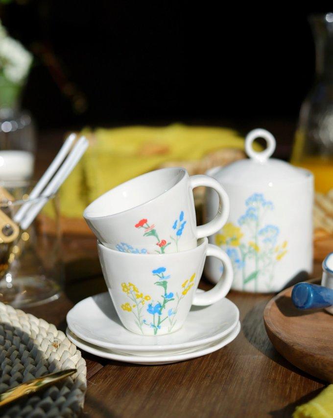 Фото 1 - Кофейная пара с летними цветами.