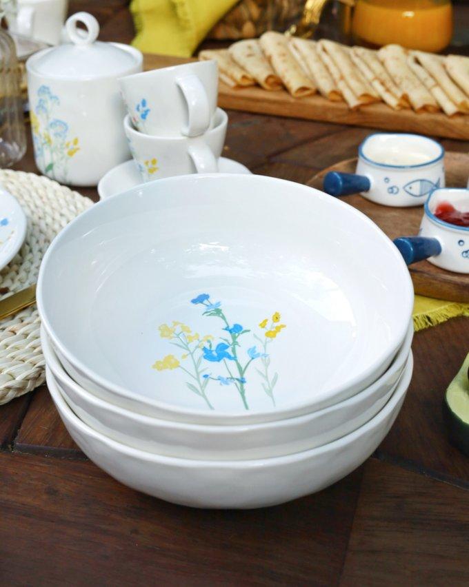 Фото 4 - Глубокая тарелка с желто-голубыми цветами.