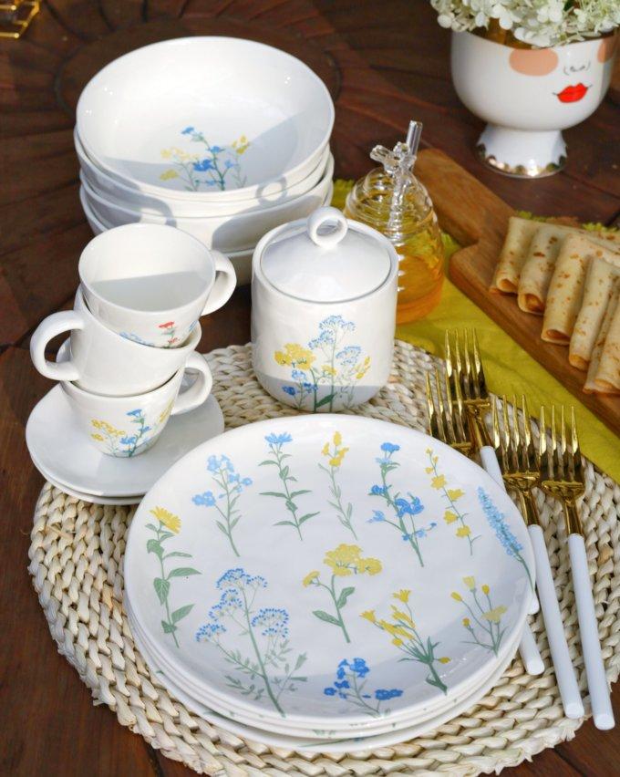 Фото 3 - Плоская тарелка с желто-голубыми цветами.
